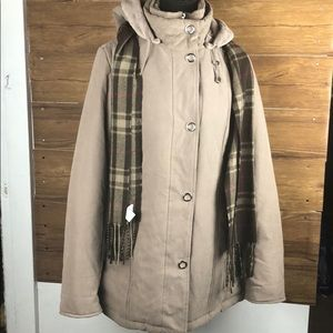 breckandridge womens coat with scarf size:Small